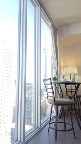 Best Location Downtown Modern 1 Bedroom Condo