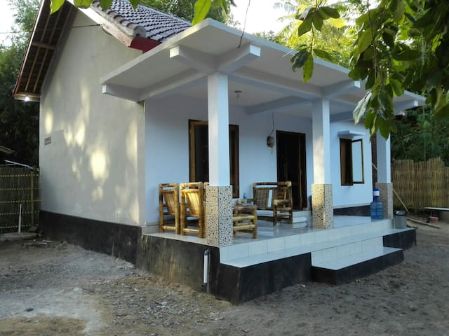 Mirans house (motorbike included) - Pujut - Casa