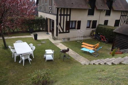 COTTAGE 6 Pers. avec jardin à HOULGATE Normandie - Houlgate - Talo