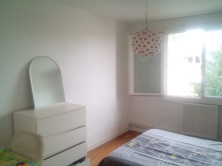 Chambre simple ★ Lit double