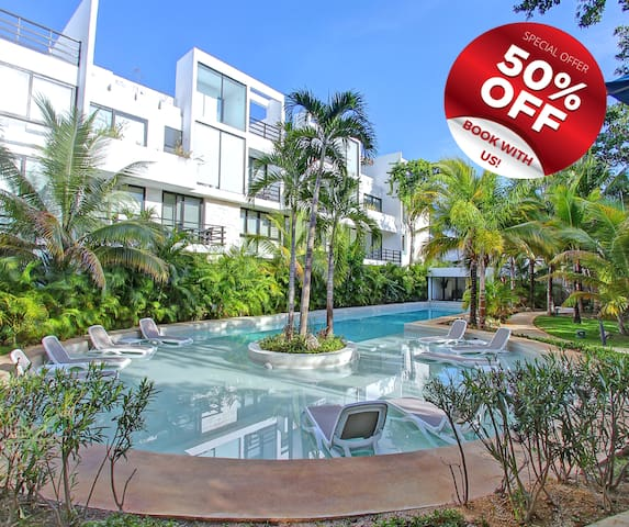 Beautiful and modern 1 BD Condo with private pool.