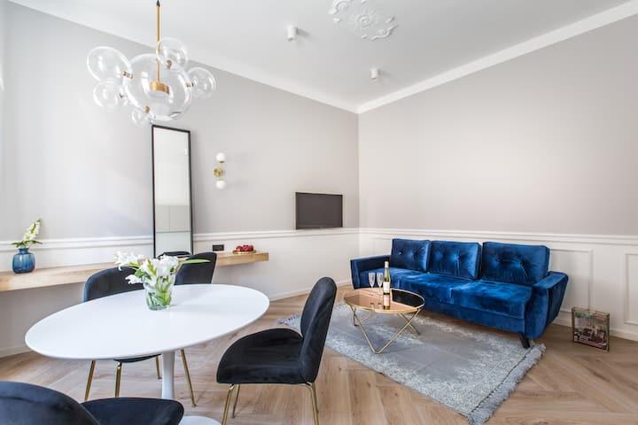 Premium (I) Apartment close to Wilson Park & MTP