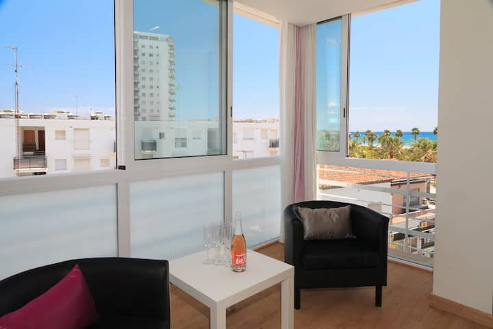 CHARMING APARTMENT A FEW STEPS AWAY FROM THE BEACH IN THE CENTRE OF SALOU S104-130 ALEXIS