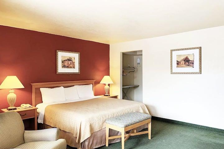 Coratel Inn & Suites Del Rio - 1 King Bed Smoking