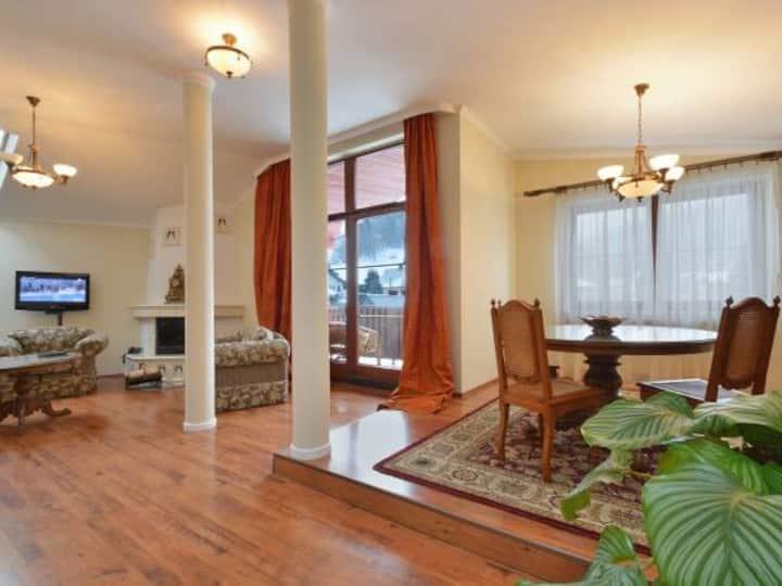 Luksusowy apartament z 2 łazienkami i balkonem