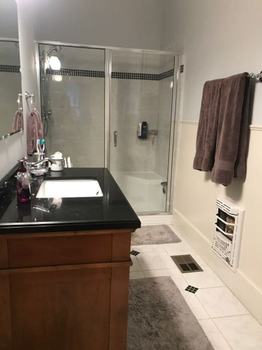 Green Stateroom Private Bath
