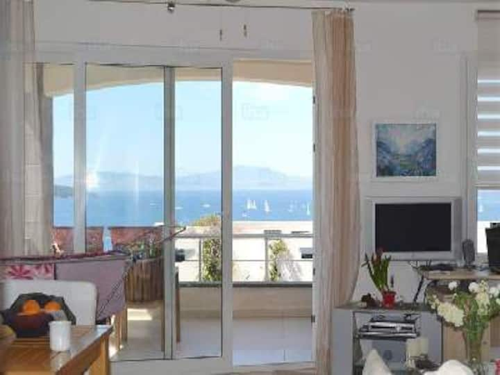 Charming apartment (seaview,pool,beach) in Bodrum