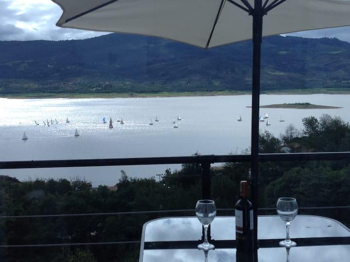 Cabañas Laguna de Guatavita - Vista al lago.