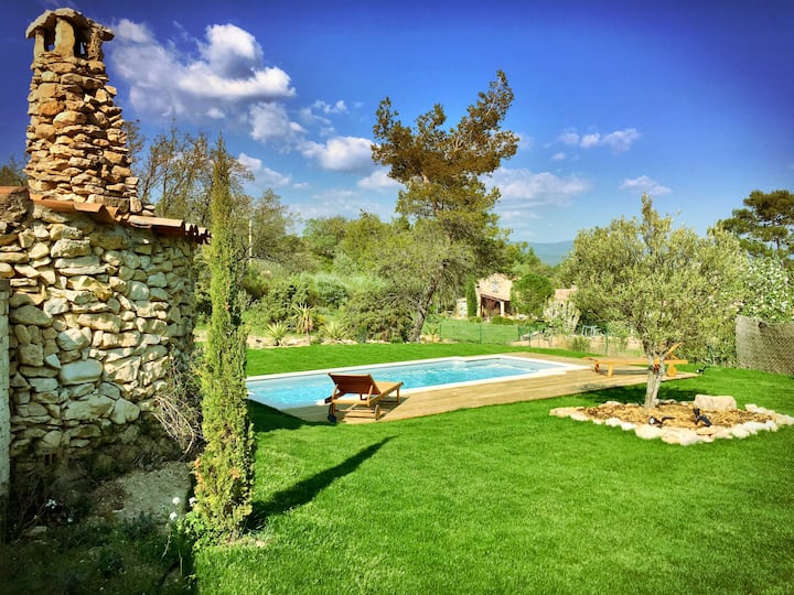 Provence charming house with a private pool