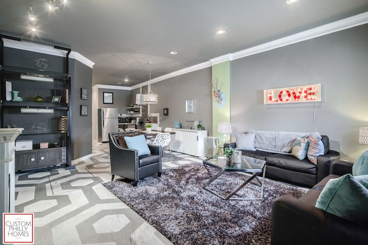 Funky converted garage in BEST Fishtown location