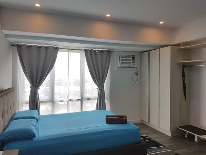 Prime Sea View Condo In Davao - Travel Agent Host