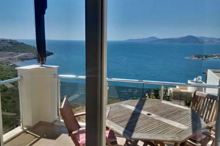 Sea View Apartment 20km Bodrum airport - Milas - Leilighet