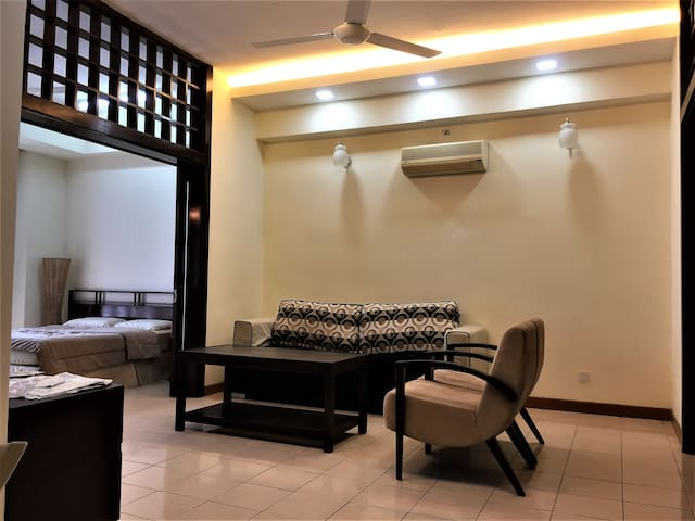 HappePlace @ Amcorp PJ, Near LRT (2 Bedrooms)