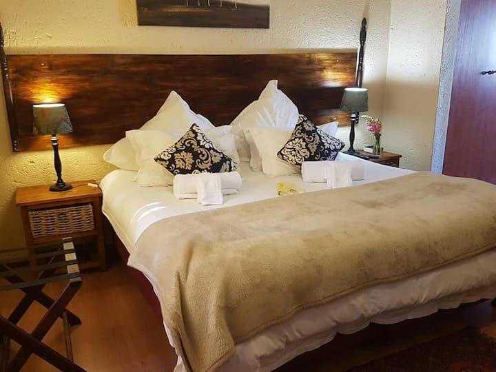 C1 40 on Ilkey B&B - Kingsize bed with en-suite ba