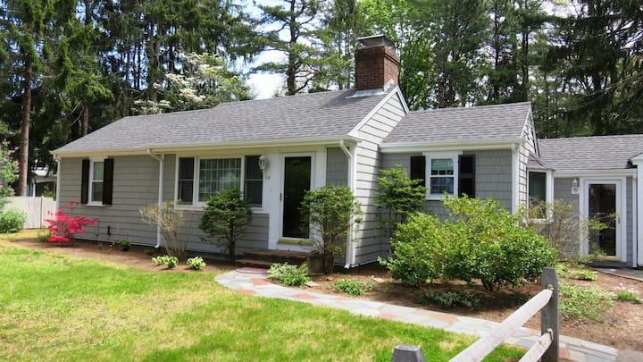 Spacious Ranch close to Osterville Village