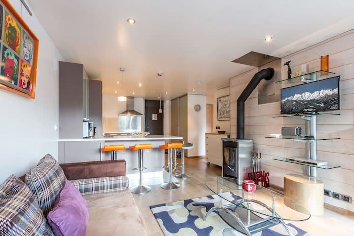 Luxurious apartment, entirely renovated, South facing with a beautiful view of the village