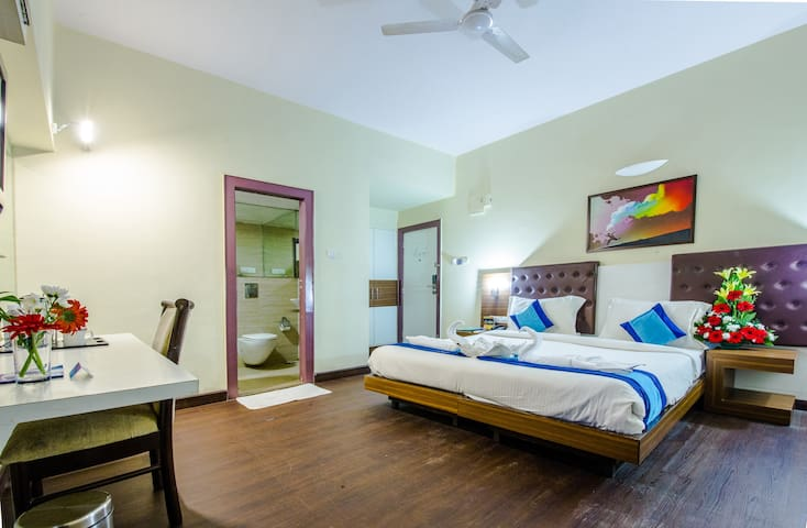 Rooms in Koramangla near Forum mall with AC, Wifi