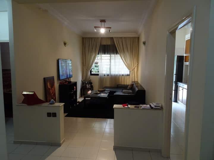Bel appt calme chambre salon terrasse centre agdal