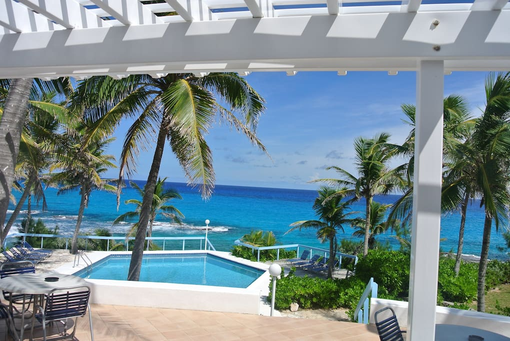 Your very own private pool with fabulous ocean views!