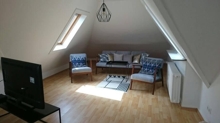 Helle 3 Zimmer Dachgeschosswohnung