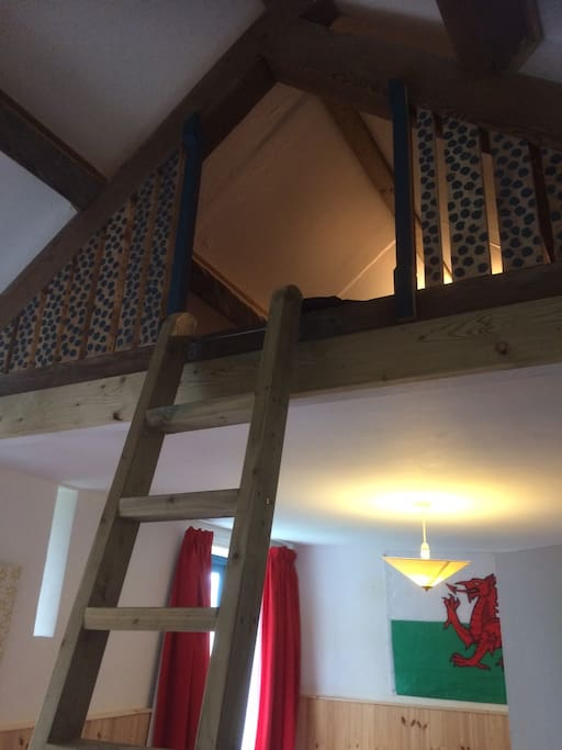 mezzanine space for air bed/camp bed