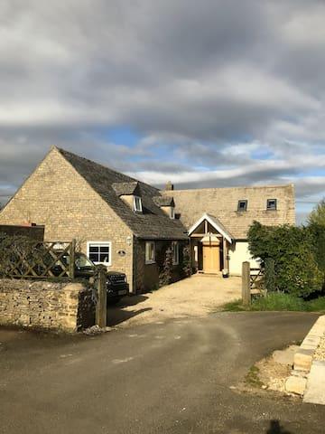 Barncroft - Finstock - House