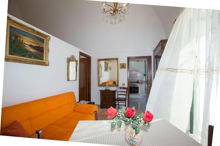 Casa Rosa: comoda soluzione in Costiera Amalfitana - Tramonti - Apartamento