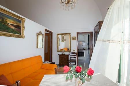 Casa Rosa: comoda soluzione in Costiera Amalfitana - Tramonti