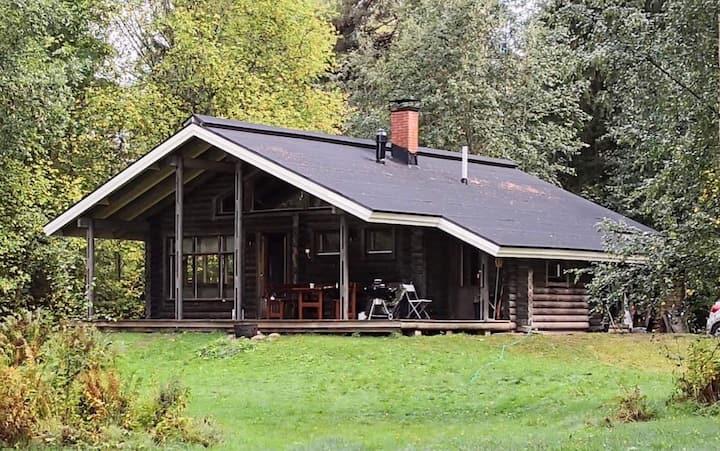 Cozy Log Cabin on  Vesijärvi Lake