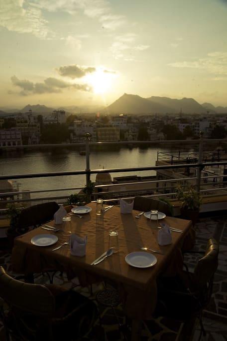 Rooftop Dinning