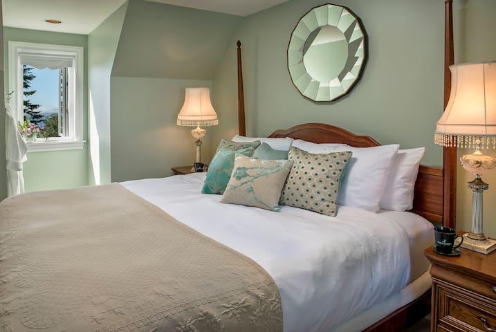 Ravenscroft Inn - Rainier Suite - Port Townsend - Bed & Breakfast