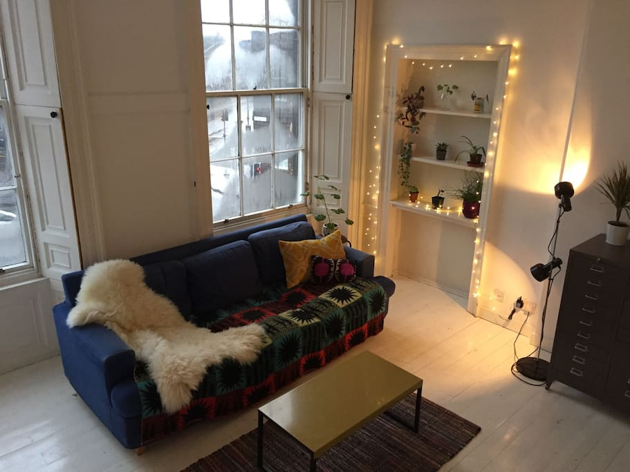 cosy studio flat by the shore apartments for rent in. Black Bedroom Furniture Sets. Home Design Ideas