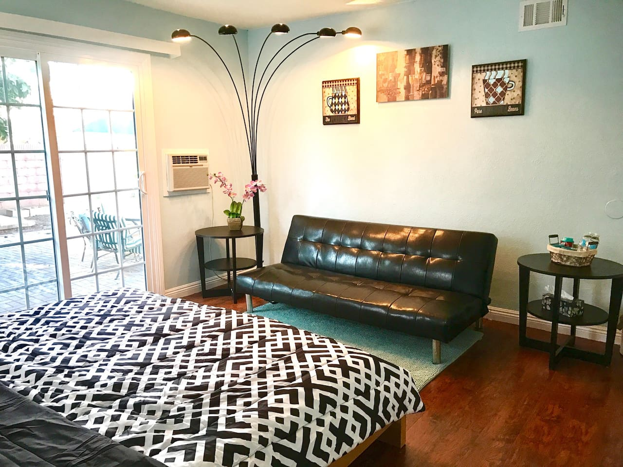 King bed, PRIVATE entrance & bath, FREE parking