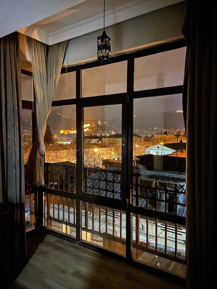 Квартира целиком в центре Тбилиси