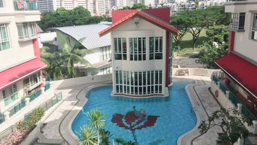 Resort Style condo with fully amenties