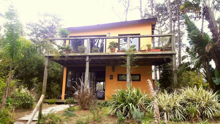 Casa ideal en pleno Montoya!!