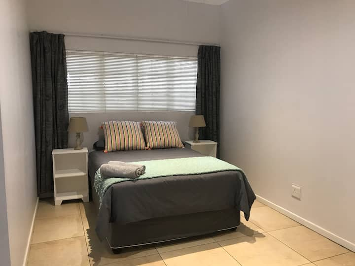 Spacious, secure granny flat in Durban North