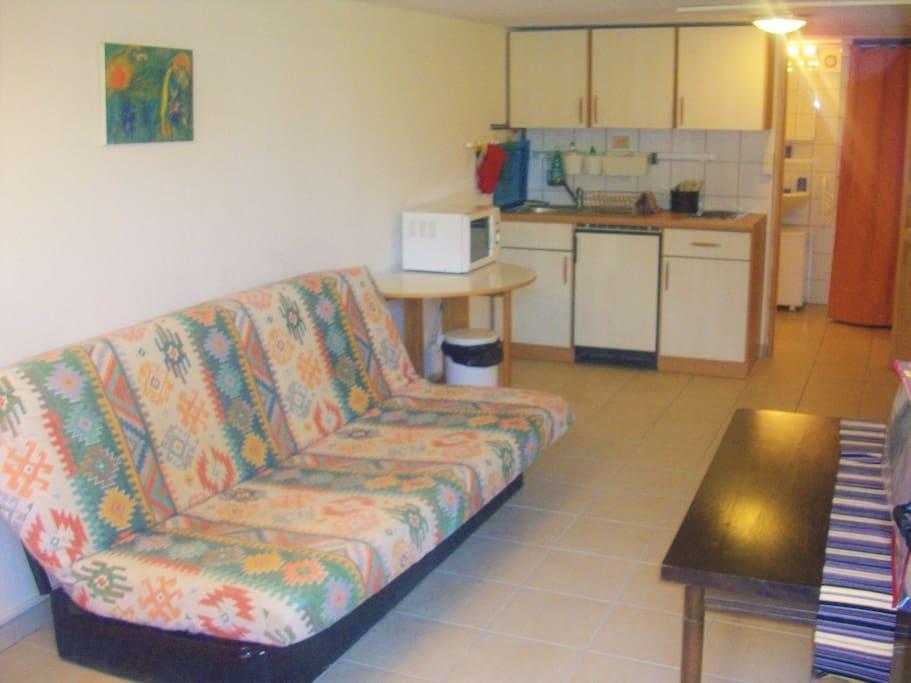 Dortoir/Cuisine, sleepingroom/Kitchenette, Schlafraum/Küche