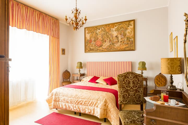 "CENTRAL B&B in ROME ""ROSE ROOM"""