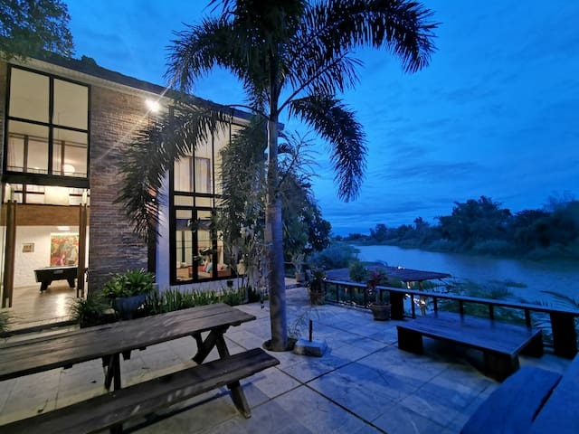 The chilliest getaway loft house by the Ping river