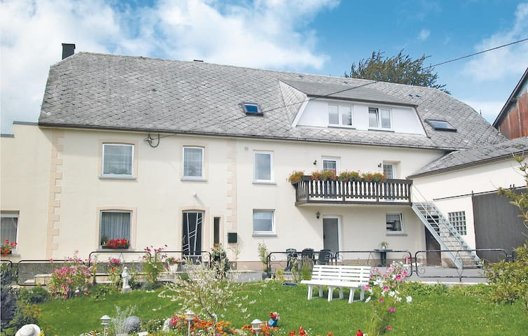 Holiday apartment with 4 bedrooms on 130 m² in Büllingen