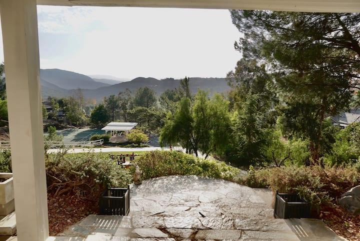 Alpine country living , Weddings and retreats.