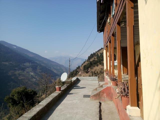 Apple Mountain Villa - Baghai Garh - Willa