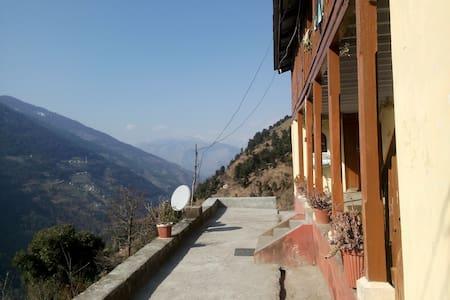 Apple Mountain Villa - Baghai Garh - วิลล่า