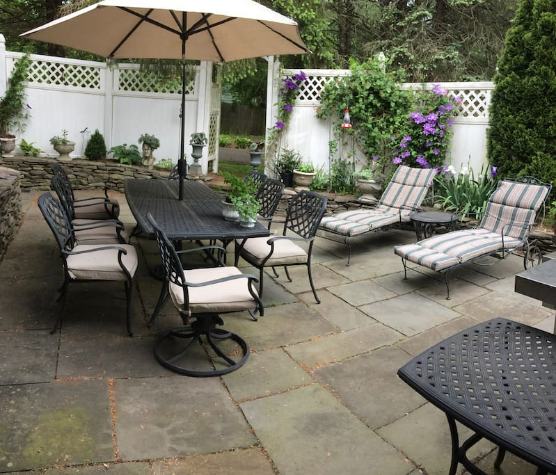 Garden Patio with grill and fire pit