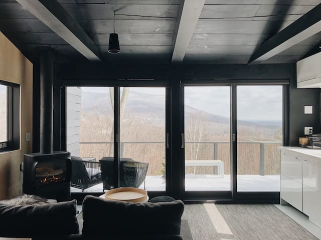 Mountain views and modern comforts at ZINK Cabin