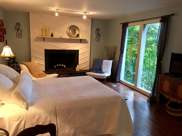 Beautiful private guesthouse in the tree tops - Nashville - Appartement