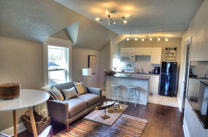 Downtown Boutique Boulder Suite - Colorado Springs - Flat