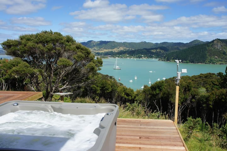 Modern, Tranquil, Outrageous Sea Views, Breakfast - Whangaroa - Casa
