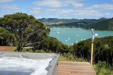 Modern, Tranquil, Outrageous Sea Views, Breakfast - Whangaroa - Dom